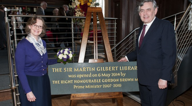 Lady Gilbert and The Right Honourable Gordon Brown, unveiling the Library Plaque, 6 May 2014.