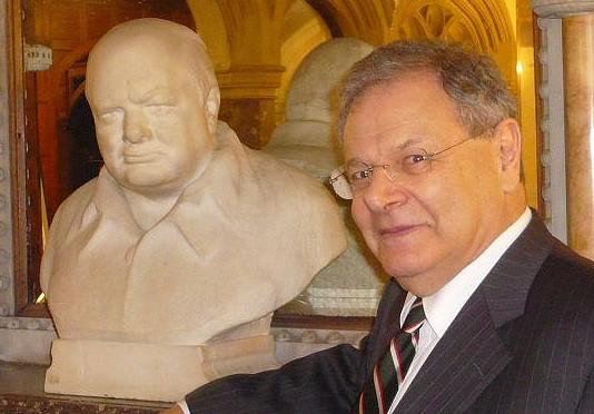 Martin Gilbert.Churchill bust by Nemon